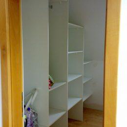 vstavané skrine a šatniky